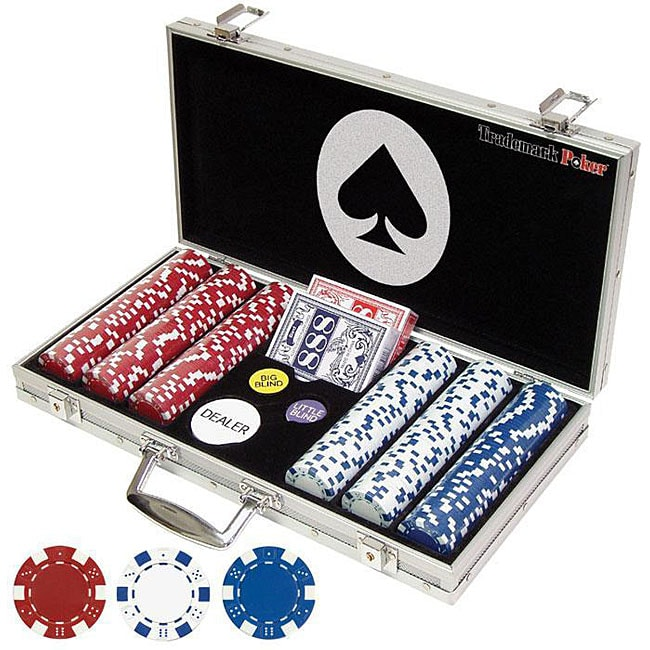 These poker chips are professional grade, with the look and feel of poker chips you'd likely find in a Las Vegas casino, not the value rack at the local department store. Our stock poker chips come in a palate of colors, from pink and lavender to black.