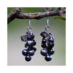 Handmade Pearl 'Midnight Mystery' Cluster Earrings (Thailand)