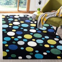 "Safavieh Handmade Soho Bubblegum Black/ Multi N. Z. Wool Rug - 3'-6"" x 5'-6"""