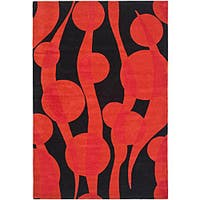 Safavieh Handmade Soho Flora Black/ Red New Zealand Wool Rug - 7'6 x 9'6