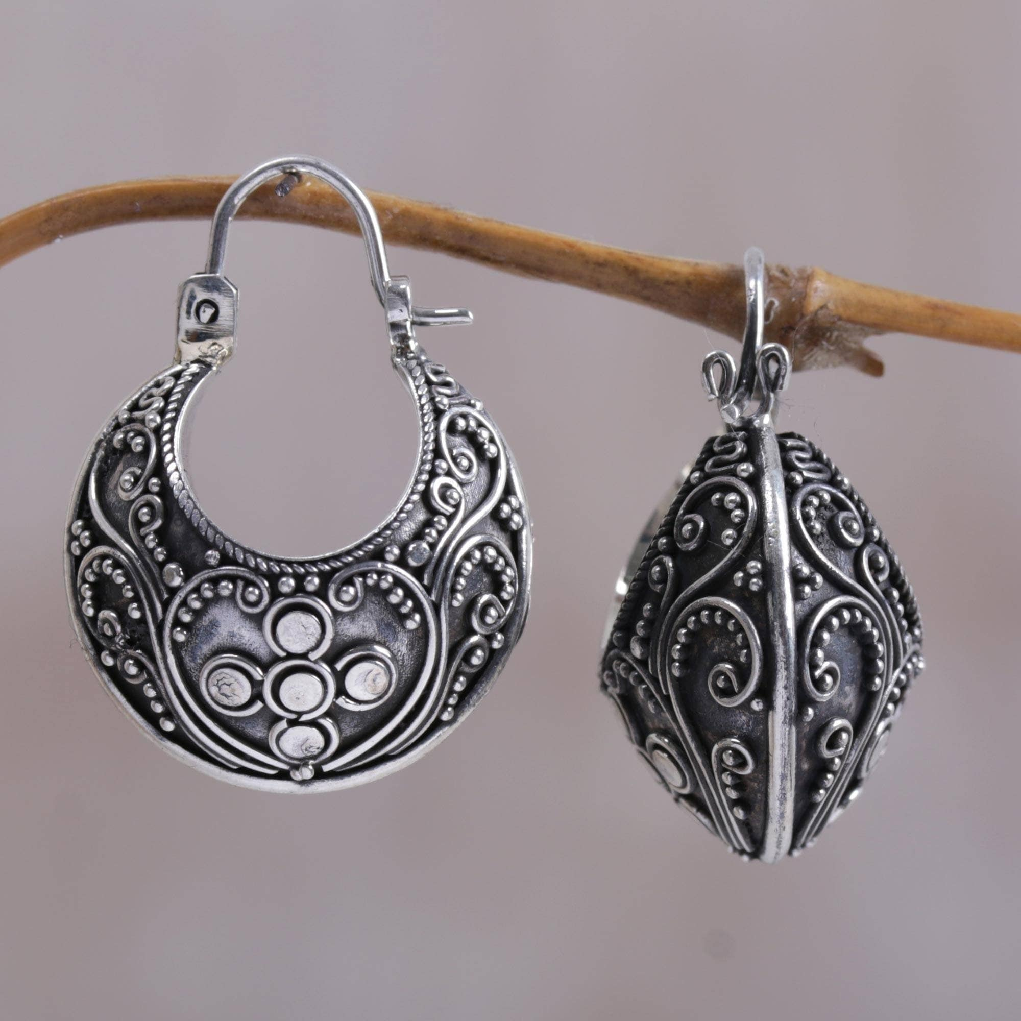 bcad11321 Shop Handmade Sterling Silver 'Paradise' Hoop Earrings (Indonesia) - On  Sale - Free Shipping Today - Overstock - 4428317