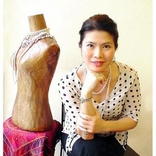 Handmade 'White Jasmine' Pearl Choker (Thailand)