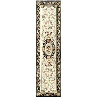 "Safavieh Hand-hooked Aubusson Ivory/ Black Wool Runner Rug - 2'6"" x 8'"