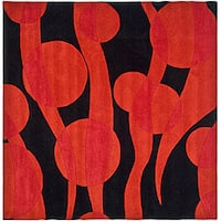 Safavieh Handmade Soho Flora Black/ Red New Zealand Wool Rug - 6' x 6' Square