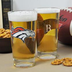 Broncos NFL Pint Glasses (Set of 2)