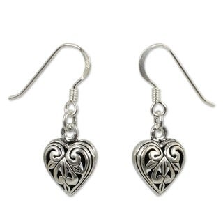 Handmade Sterling Silver 'Filigree Heart' Heart Earrings (Thailand)