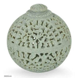 Handmade Soapstone 'Jasmine Rose' Jar (India) - White