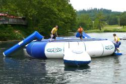 Aviva 20-foot Orbit Floating Trampoline - Thumbnail 1