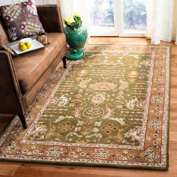 Safavieh Handmade Classic Light Green/ Gold Wool Rug - 8'3 x 11'