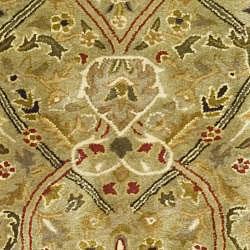Safavieh Handmade Mahal Green/ Rust New Zealand Wool Runner (2'6 x 8') - Thumbnail 2