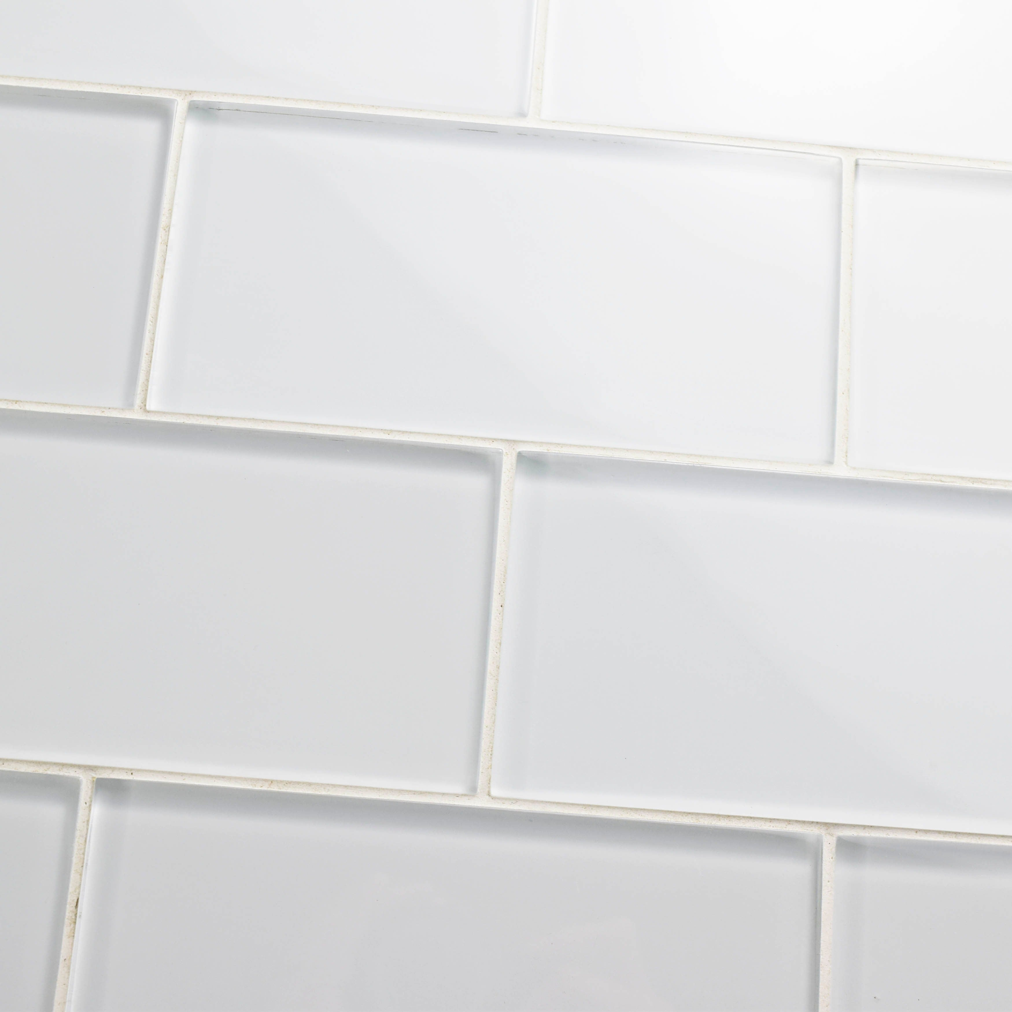 Somertile 3x6 Inch Reflections Subway Ice White Gl Wall Tile 80 Tiles 10 Sqft