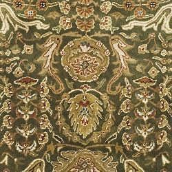 Safavieh Handmade Classic Light Green/ Gold Wool Rug (8' Round) - Thumbnail 2