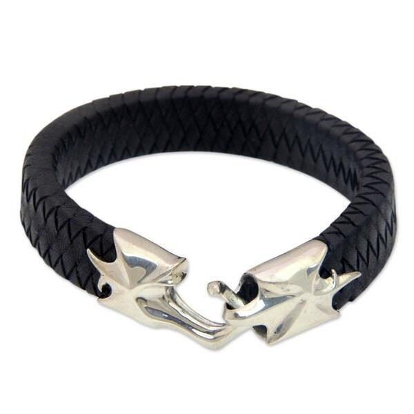 Hand In Hand Handmade Artisan Designer Men's Handsome Fashion Dark Braided Leather Sterling Silver Jewelry Bracelet (Indonesia)