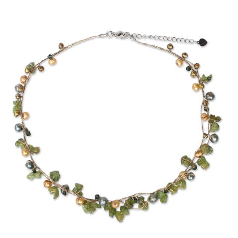 Handmade By Golden Silk Freshwater Pearl and Peridot Tropical Elite Strand Necklace (Thailand) - Green