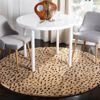 Safavieh Handmade Soho Leopard Skin Beige New Zealand Wool Rug - 6' X 6' Round