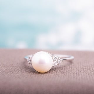 Miadora 10k White Gold Cultured Freshwater Pearl and 1/8ct TDW Diamond Ring (7.5-8 mm) (H-I, I2-I3)