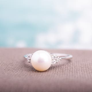 Miadora 10k White Gold Cultured Freshwater Pearl and 1/8ct TDW Diamond Ring (7.5-8 mm)|https://ak1.ostkcdn.com/images/products/4674719/P12595207.jpg?impolicy=medium
