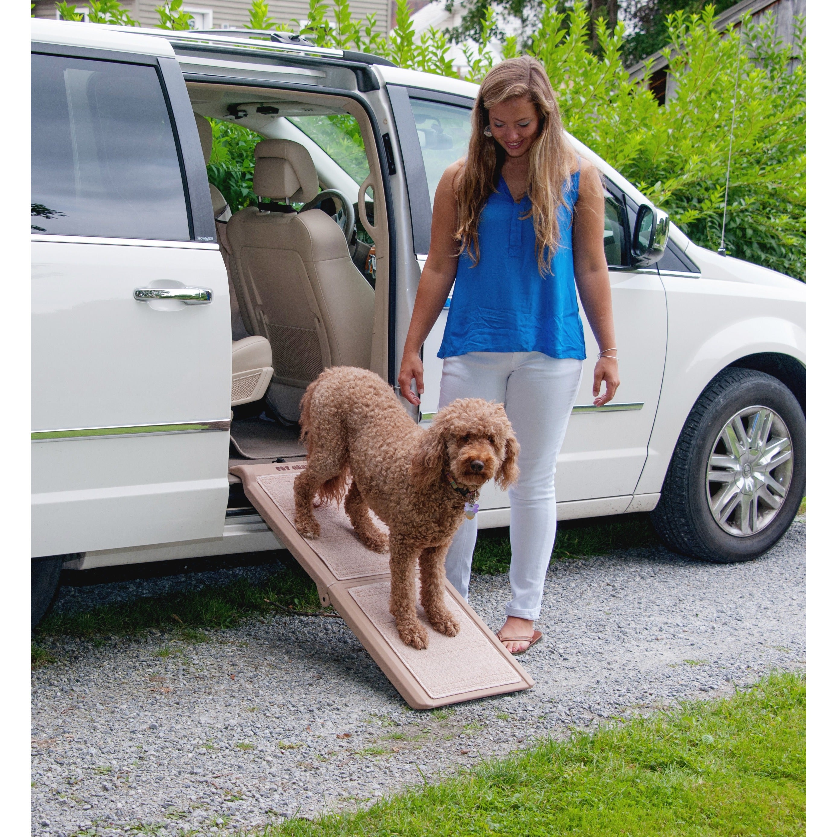 Pet Gear Short Bi-fold Carpeted Pet Ramp