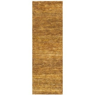 Safavieh Hand-knotted Vegetable Dye Solo Carmel Hemp Runner (2'6 x 6')