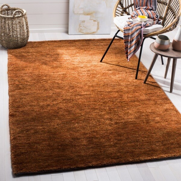 Safavieh Hand-knotted Vegetable Dye Solo Rust Hemp Rug (4' x 6') - 4' x 6'