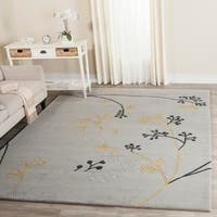 Safavieh Handmade Soho Golden Vine Grey New Zealand Wool Rug - 7'6 x 9'6