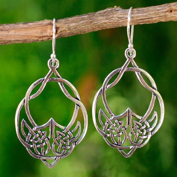Handmade Sterling Silver 'Lotus Lace' Dangle Earrings (Thailand)