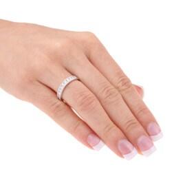 Unending Love 14k White Gold 1/2ct TDW Diamond Miligrain Wedding Band (H-I, I1-I2)