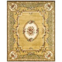 "Safavieh Handmade Classic Light Gold/ Green Wool Rug - 8'-3"" X 11'"