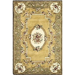 Safavieh Handmade Classic Light Gold/ Green Wool Rug (5' x 8')