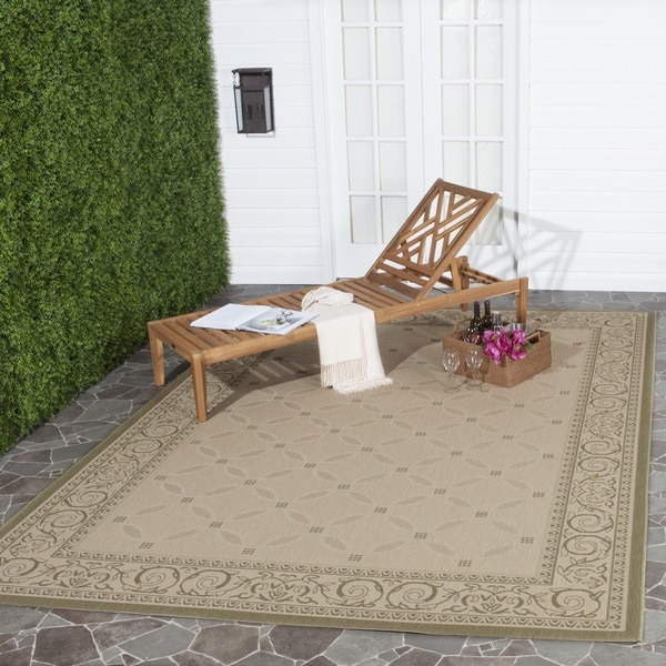 Safavieh Bay Natural/ Olive Green Indoor/ Outdoor Rug - 7'10 x 11'