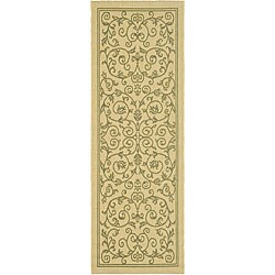 "Safavieh Resorts Scrollwork Natural/ Olive Green Indoor/ Outdoor Runner - 2'4"" x 6'7"""