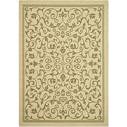 Safavieh Resorts Scrollwork Natural/ Olive Green Indoor/ Outdoor Rug - 6'7 x 9'6 - Thumbnail 0