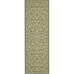 Safavieh Resorts Scrollwork Olive Green/ Natural Indoor/ Outdoor Runner (2'4 x 6'7)