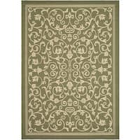 Safavieh Resorts Scrollwork Olive Green/ Natural Indoor/ Outdoor Rug - 5'3 x 7'7