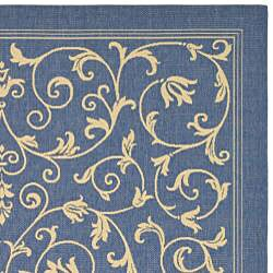 Safavieh Resorts Scrollwork Blue/ Natural Indoor/ Outdoor Rug (2'7 x 5') - Thumbnail 1
