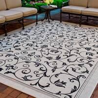 Safavieh Resorts Scrollwork Sand/ Black Indoor/ Outdoor Rug - 9' x 12'