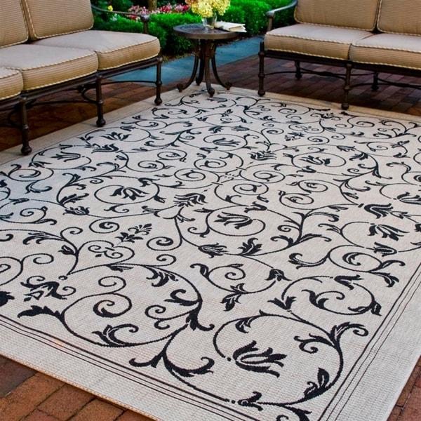 Safavieh Resorts Scrollwork Sand/ Black Indoor/ Outdoor Rug - 8' X 11'