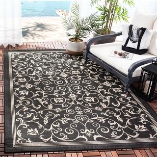 Safavieh Indoor/ Outdoor Resorts Black/ Sand Rug (4' x 5'7)