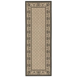 Safavieh Royal Sand/ Black Indoor/ Outdoor Runner (2'4 x 9'11)