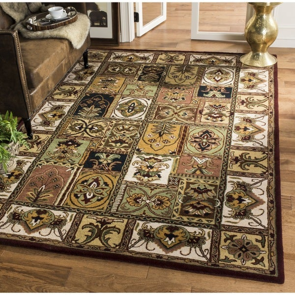 Safavieh Handmade Classic Bakhtieri Multicolored Wool Rug - 6' x 6' Square