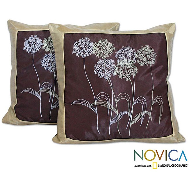 Handmade Set of Two 'Quiet Dandelions' Silk and Cotton Cushion Covers (Thailand)