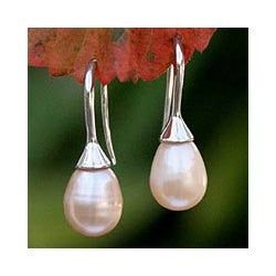 Handmade Sterling Silver 'Rosebud' Pearl Dangle Earrings (Thailand)