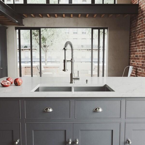 VIGO Suffolk 32-inch Undermount Kitchen Sink and Edison Faucet Set