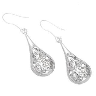 Handmade 1-inch Silver Filigree Raindrop Earrings (China) https://ak1.ostkcdn.com/images/products/4798411/P12695157.jpg?impolicy=medium