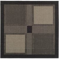 "Safavieh Lakeview Black/ Sand Indoor/ Outdoor Rug - 7'10"" x 7'10"" square"