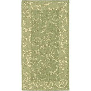 Safavieh Oasis Scrollwork Olive Green/ Natural Indoor/ Outdoor Rug (4' x 5'7)