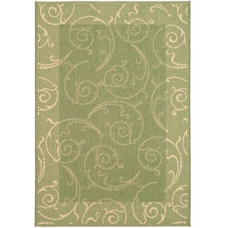 Safavieh Oasis Scrollwork Olive Green/ Natural Indoor/ Outdoor Rug (5'3 x 7'7)