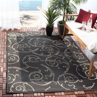 Safavieh Oasis Scrollwork Black/ Sand Indoor/ Outdoor Rug (4' x 5'7)