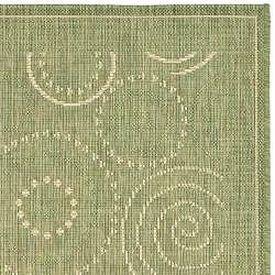 Safavieh Ocean Swirls Olive Green/ Natural Indoor/ Outdoor Runner (2'4 x 6'7) - Thumbnail 1