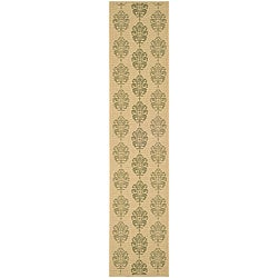 "Safavieh St. Martin Damask Natural/ Olive Green Indoor/ Outdoor Runner - 2'4"" x 9'11"""